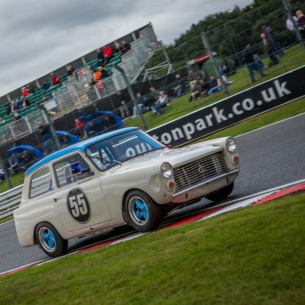 On Track Motor Racing - The Oulton Park Gold Cup